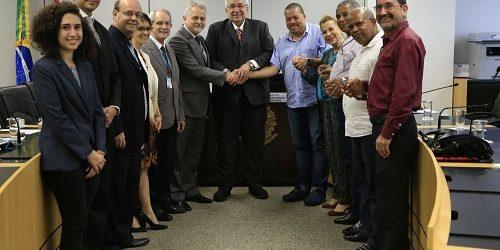 Imbel e representantes dos empregados assinam acordo coletivo no TST