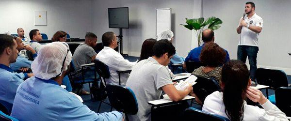SINTPERJ realiza assembleia na empresa IFF Essências e Fragrâncias